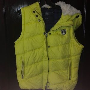 Neon American Eagle Winter puffer best, size M